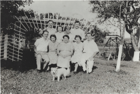 Aunt Josephine blog family pic around 1939 or 1940-1